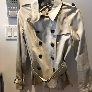 Short Burberry Trench US Size 8